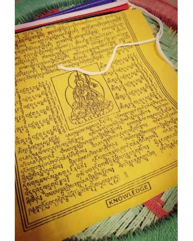 Drapeaux à prières tibétain...